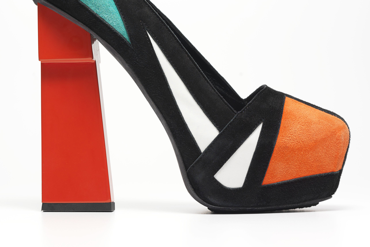 Killer Heels - Spotlight on Stilettos