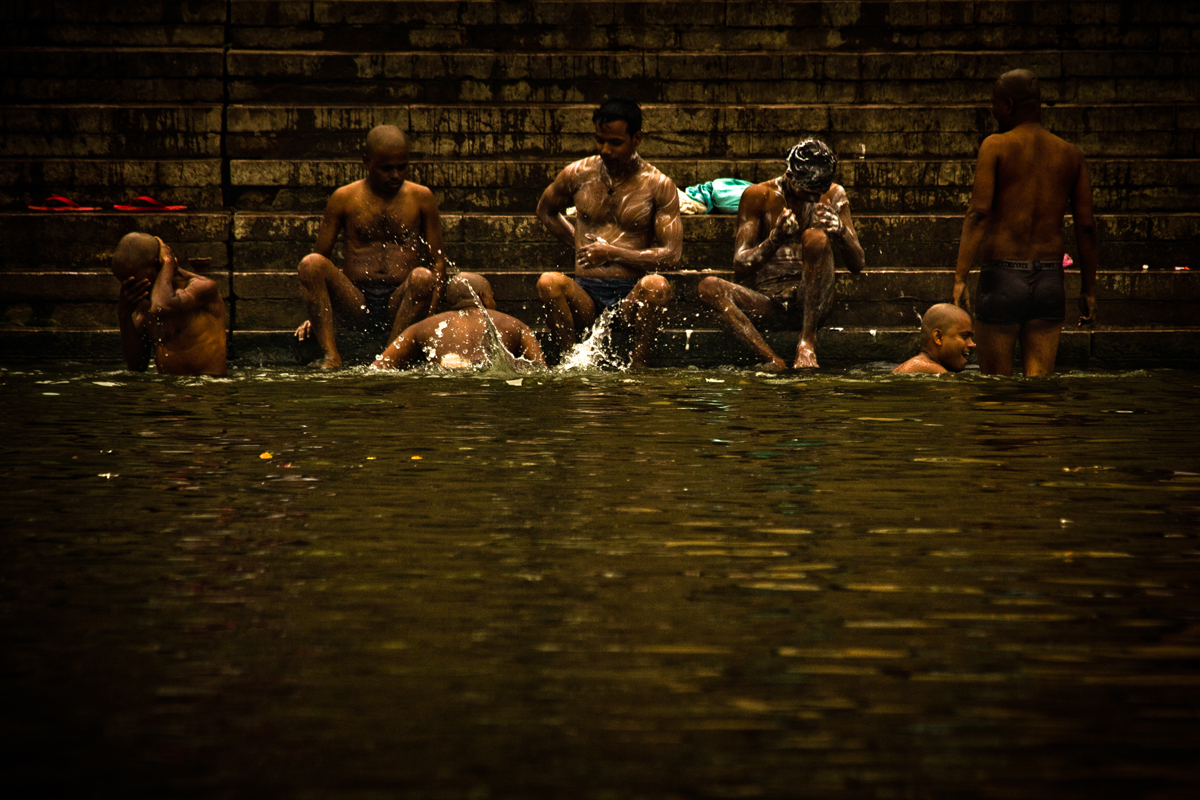 Bathing in the Ganges Varanasi India 15th Dec 2014_16_ Julian_Bound