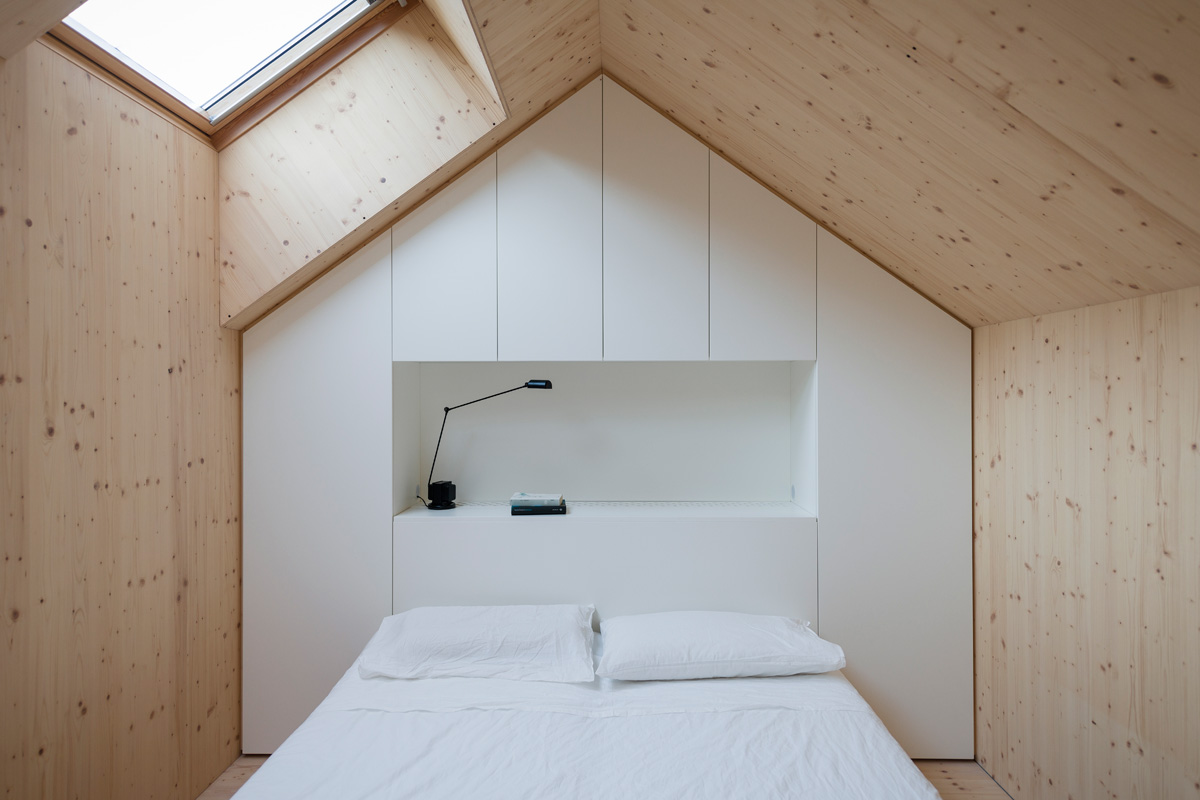 #6B4931 Traditional Design: Compact Karst House The Plus Paper 3229 Solution Dressing Petite Chambre 1200x800 px @ aertt.com