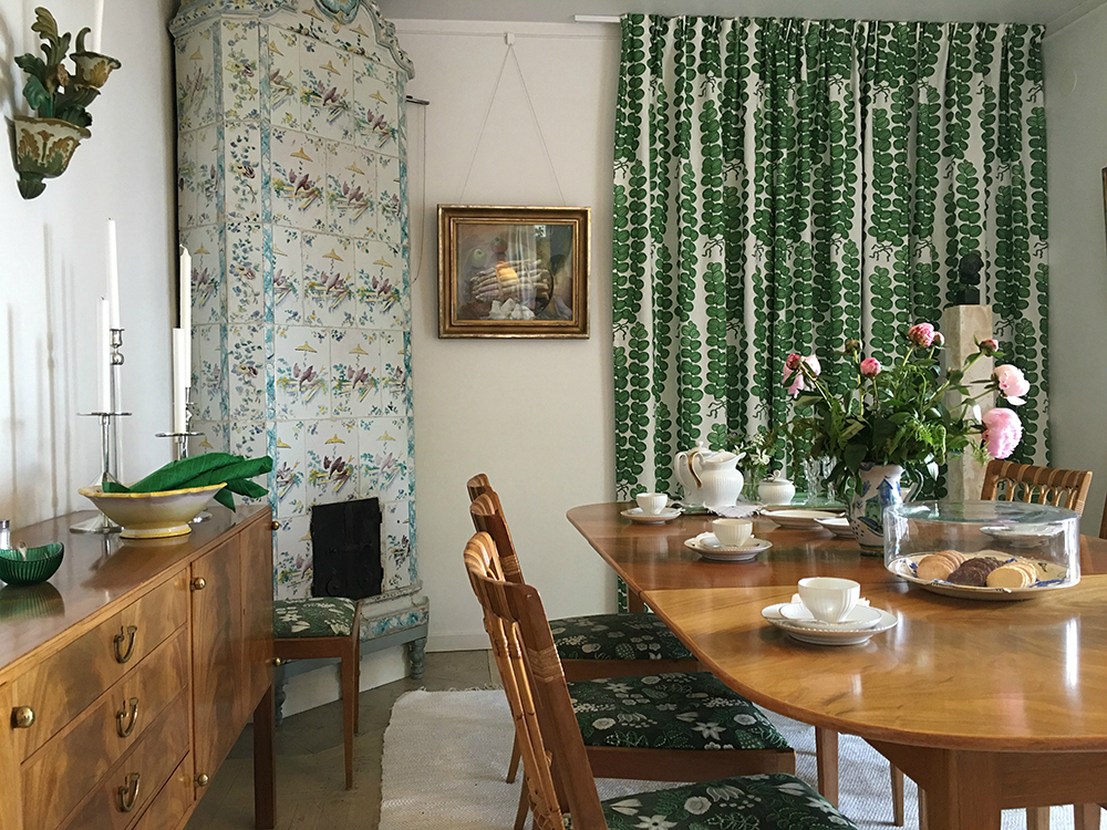 1. The dining room in Anne's house, Millesgarden. Fitterd with Josef Frank furniture by Estrid Ericson ©Millesgarden