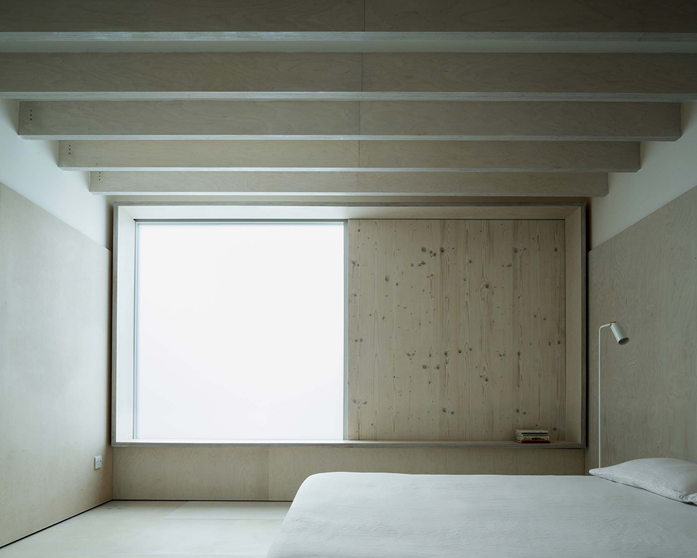 PH2_2_Plywood_Shutter_bedro