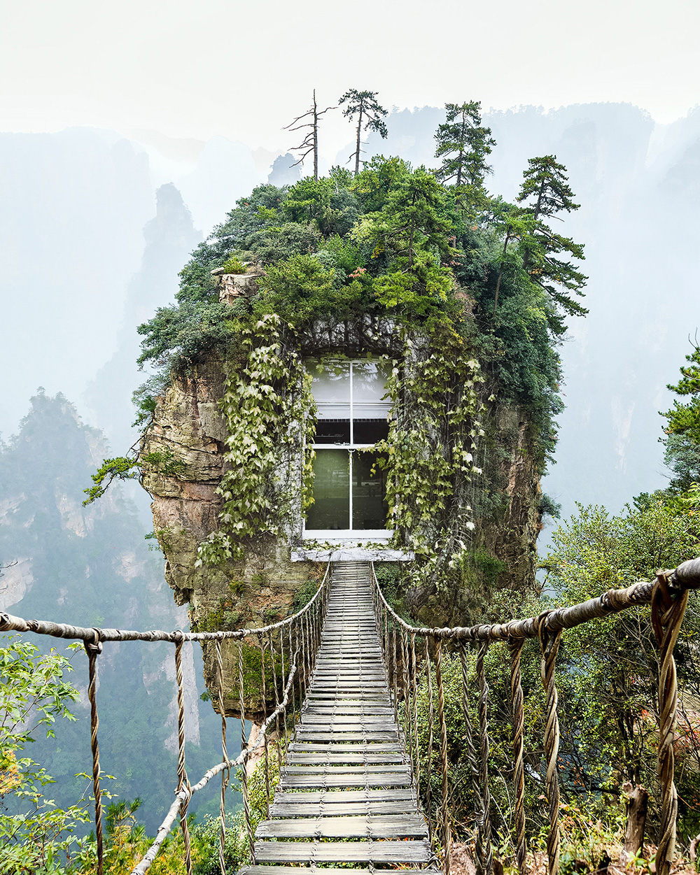 Alone rock column mountain (Avatar rocks). Zhangjiajie National